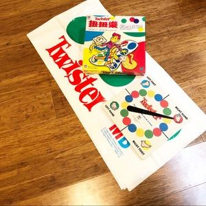 Twister game by Milton Bradley. English & Chinese.